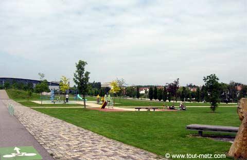 Parc de la Seille à Metz les arenes 1