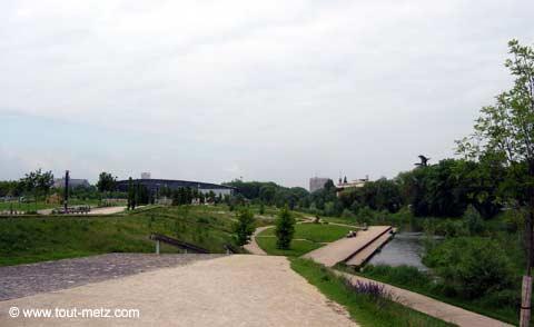 Parc de la Seille à Metz cote riviere 1