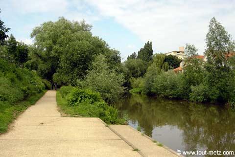 Parc de la Seille à Metz cote riviere 6
