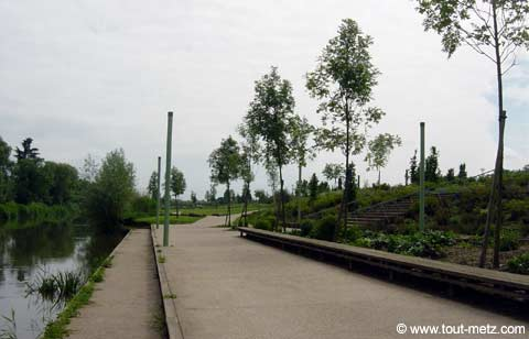Parc de la Seille à Metz cote riviere 7