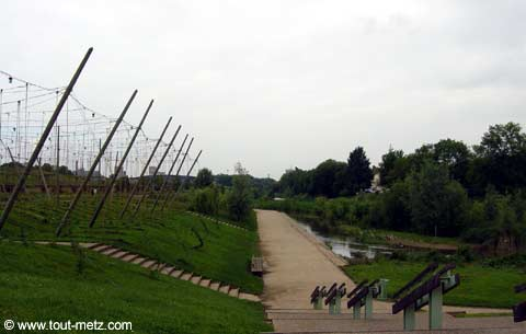 Parc de la Seille à Metz cote riviere 8