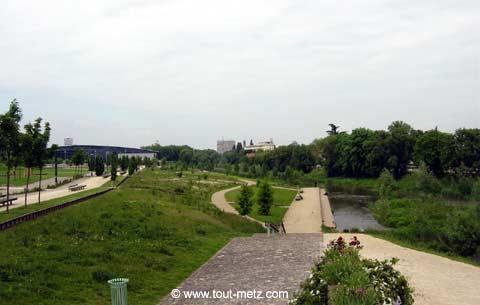 Parc de la Seille à Metz cote riviere 2