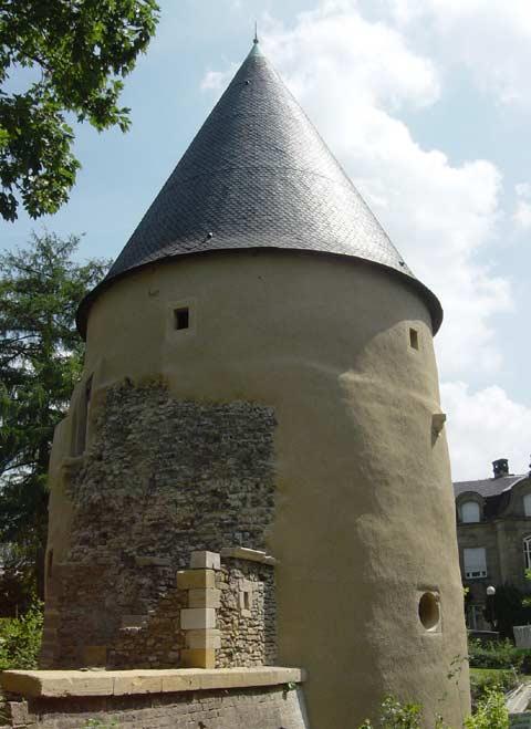 La tour camoufle à metz
