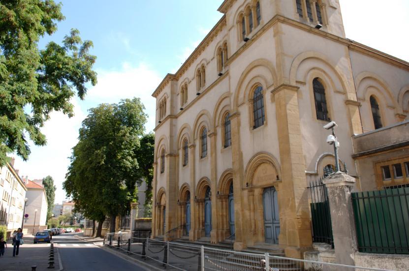 Un véhicule suspect devant la synagogue de Metz : opération de déminage réussie