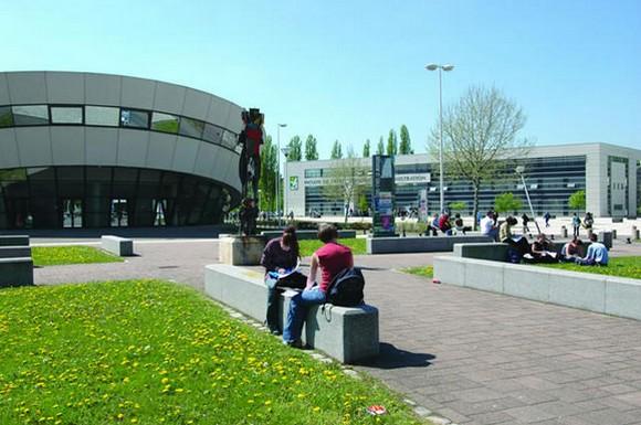 Photo de Metz : portes ouvertes à l'école de Sage-Femme