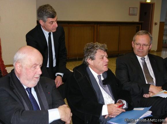 De gauche à droite : A. Rossinot, maire de Nancy, JL Bohl, Président de Metz Métropole, JL Borloo, Président de l'UDI et P. Weiten, Président du CG57