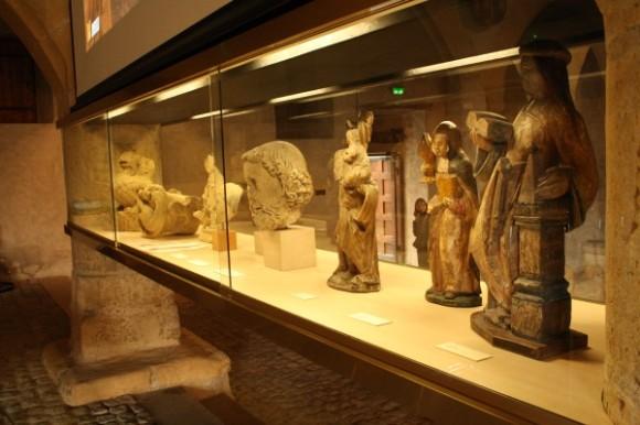 Le grenier de Chèvremont (ancien grenir à blé), annexe du Musée, accueille la statutaire médiévale .