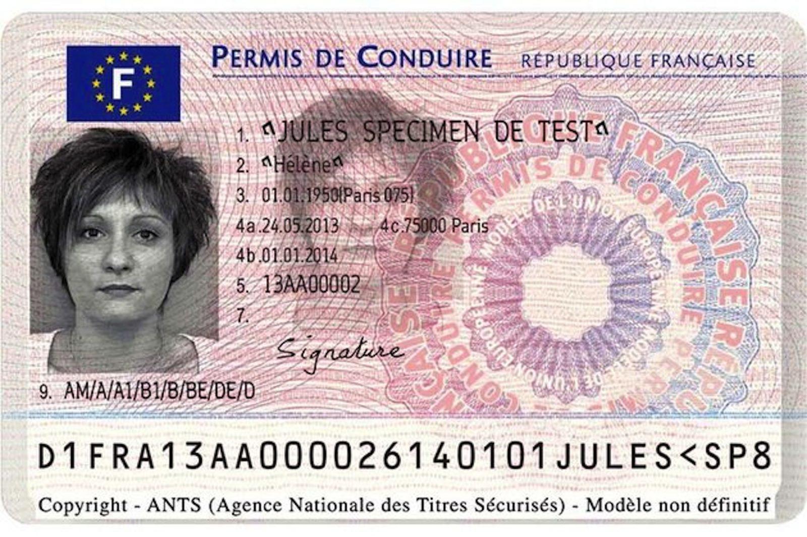 Photo de Cartes grises et permis à la Préfecture de la Moselle : terminé le guichet