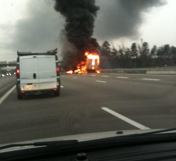 Trafic : un camion en feu sur l'A31