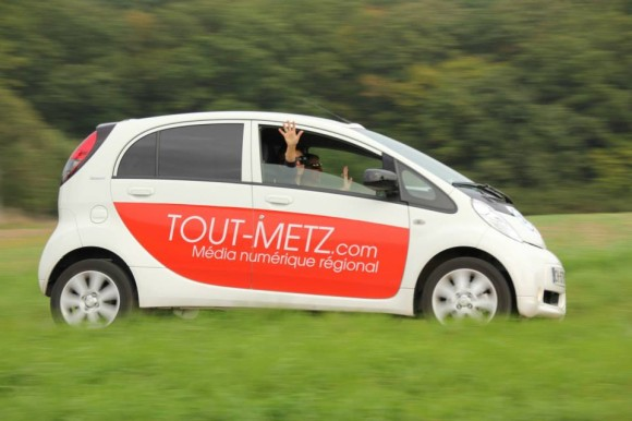 """La voiture électrique de la rédaction, à la poursuite de l'actu sur les routes de Lorraine - Photo """"Rallye Européen des Véhicules Électriques"""""""