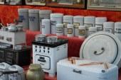 Antiquités, meubles et curiosités au Marché aux Puces de la Mirabelle à Metz