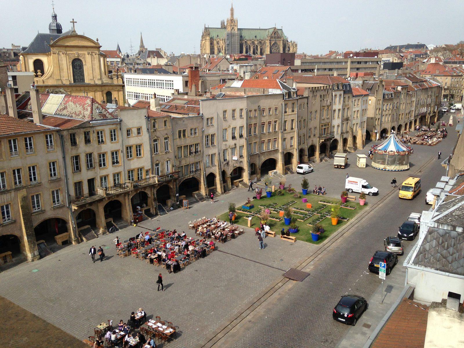 Place saint louis metz 1600 tout metz - Cora en ville metz ...