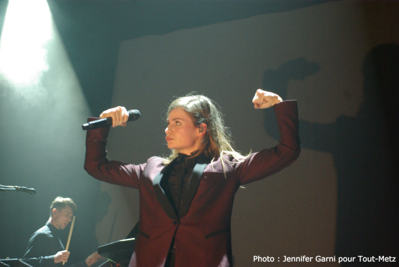 ChristineAndTheQueens-BAM-METZ-130315-IMGP0071