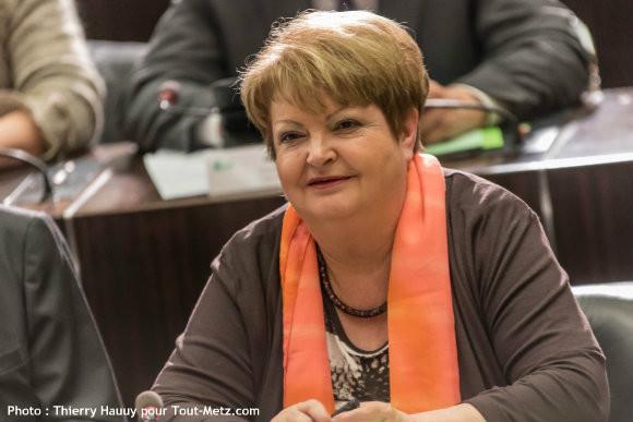 Carmen DILIGENT, lors de l'installation du conseil départemental le 02 avril 2015