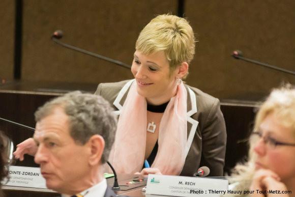 Pauline LAPOINTE-ZORDAN, lors de l'installation du conseil départemental le 02 avril 2015