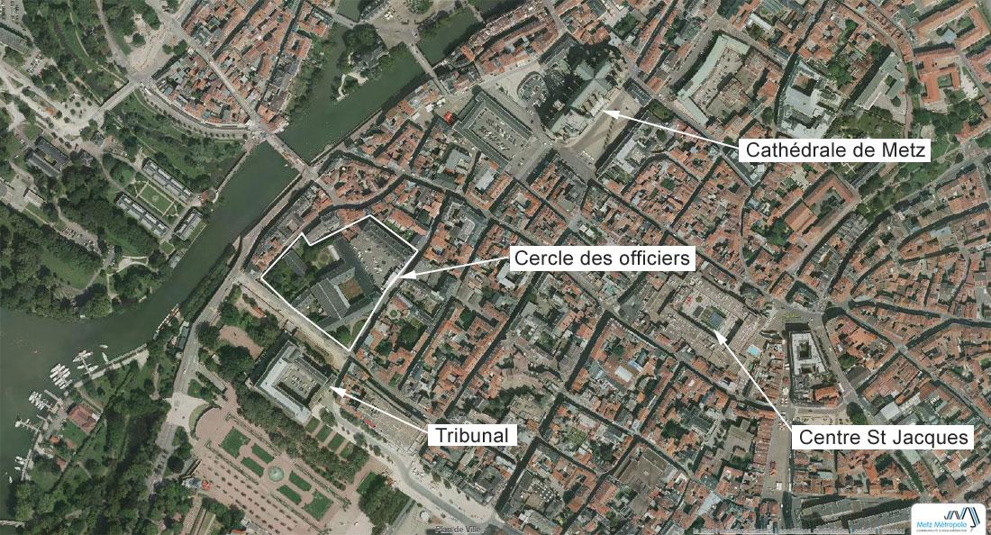 Voici l'emprise du cercle des officiers et de l'abbaye St Arnoul au coeur du centre ville de Metz. Un ensemble d'environ 1,6 hectares. que les voitures ne longent presque plus depuis la mise en place de la ligne en site propre du Mettis. Source : geo.metzmetropole.fr