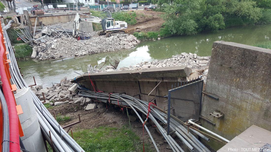 Photos du pont lothaire d moli metz mai 2015 for Piscine lothaire