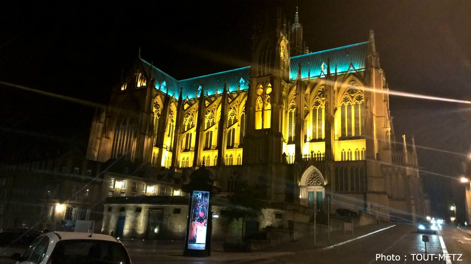 L'éclairage de la Cathédrale de Metz suspendu