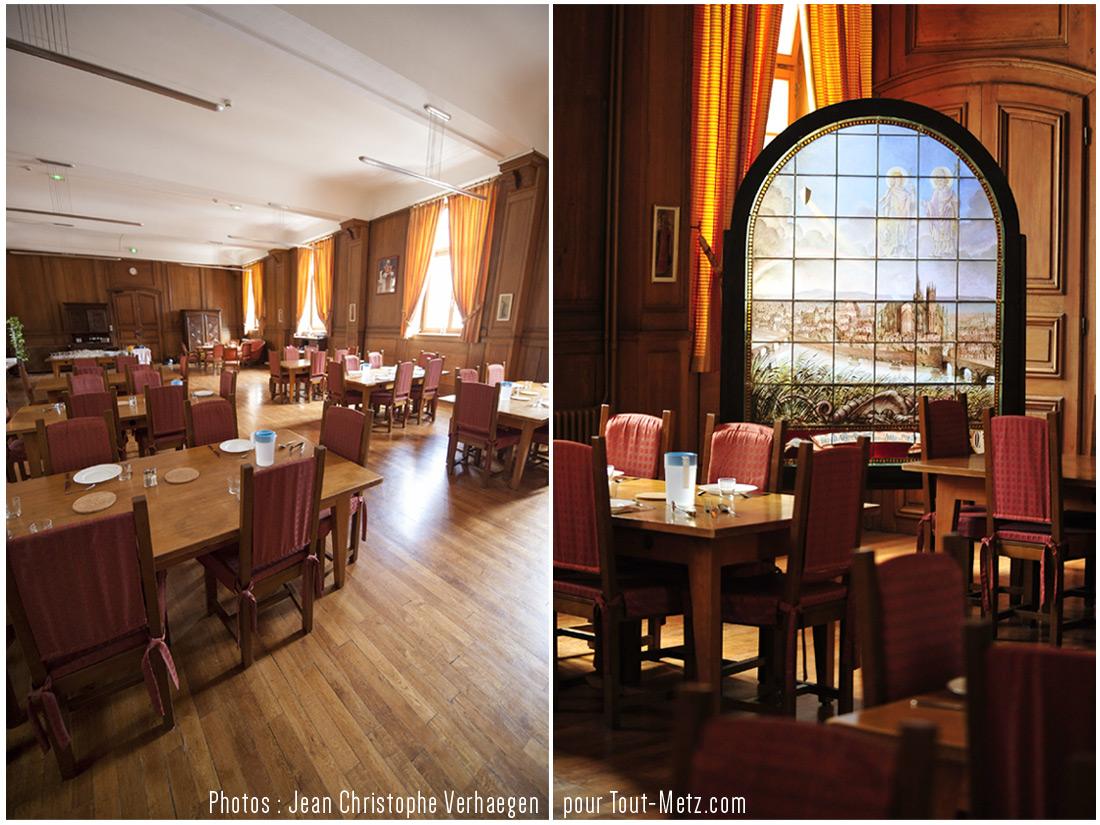 salle repas midi + vitrail
