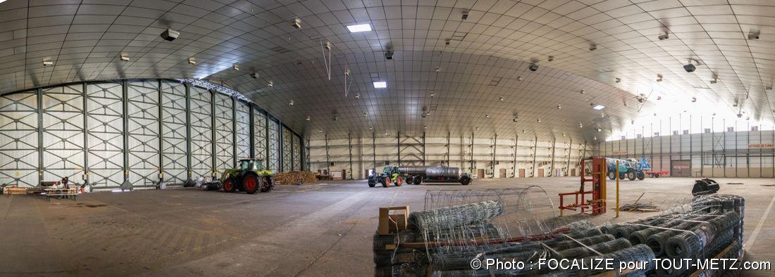 intérieur du hangar HM17 de la base aérienne 128