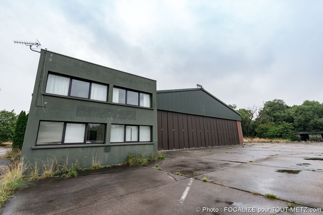 hangar HM14 de la base aérienne 128de Metz Frescaty (hangar des hélicoptères)