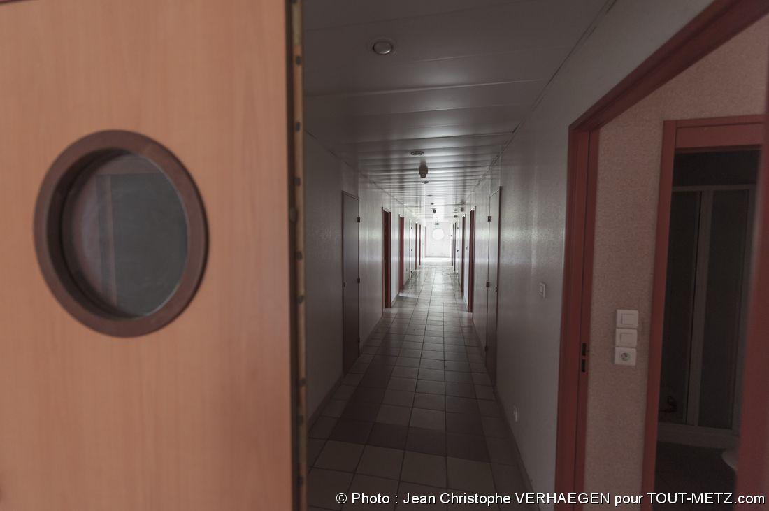 intérieur du lieu d'habitation des militaires à la base aérienne de Marly Frescaty