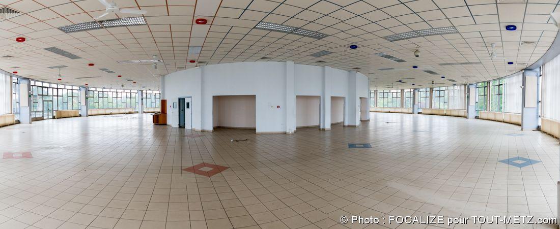 la salle de réfectoire principale du mess mixte de la BA 128