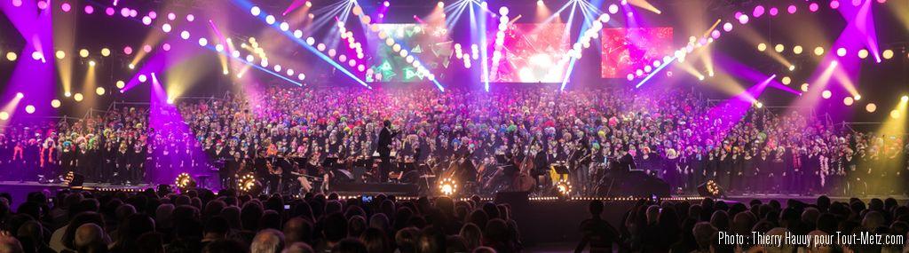 Photos : sur la scène du Galaxie, 2000 choristes et de grands artistes