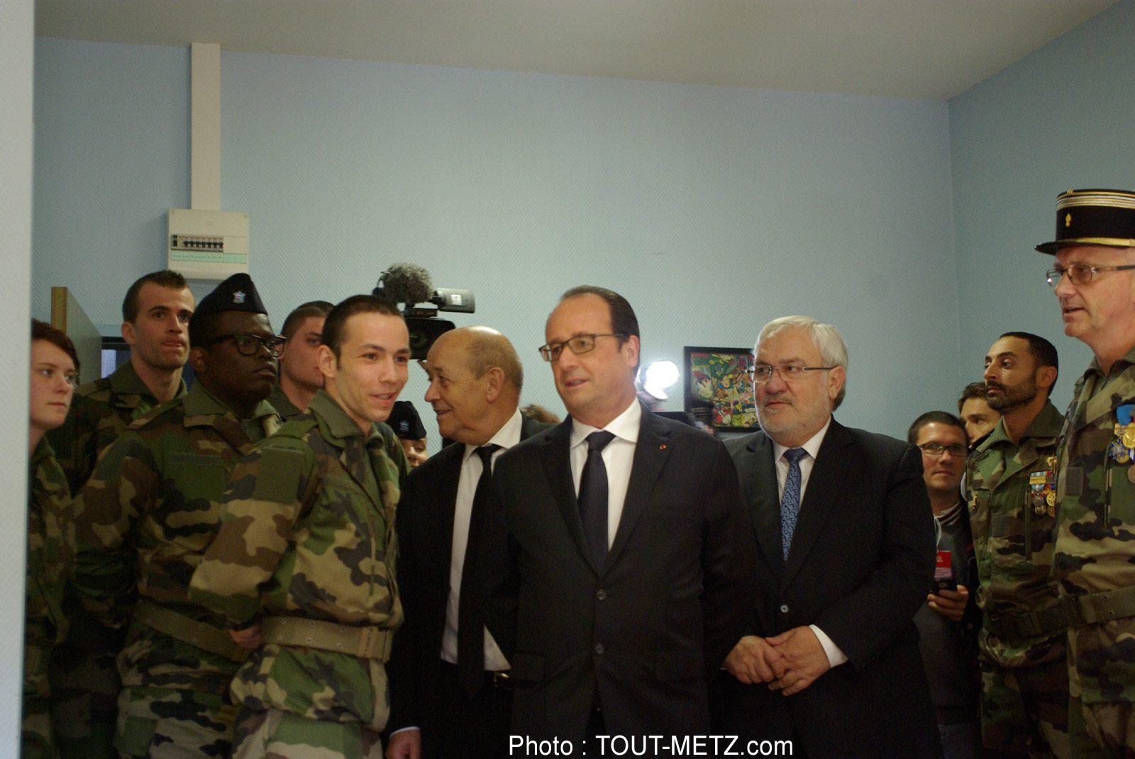 Photo of Montigny-les-Metz : François Hollande inaugure le Service Militaire Volontaire (photos)