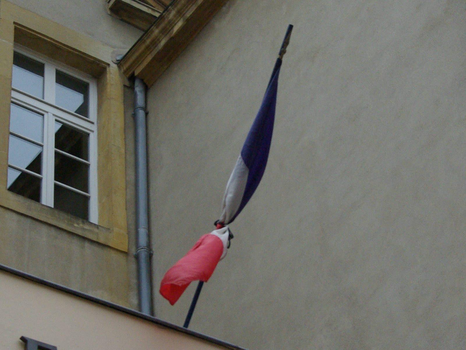 Attentats de Bruxelles : les drapeaux en berne à Metz Métropole