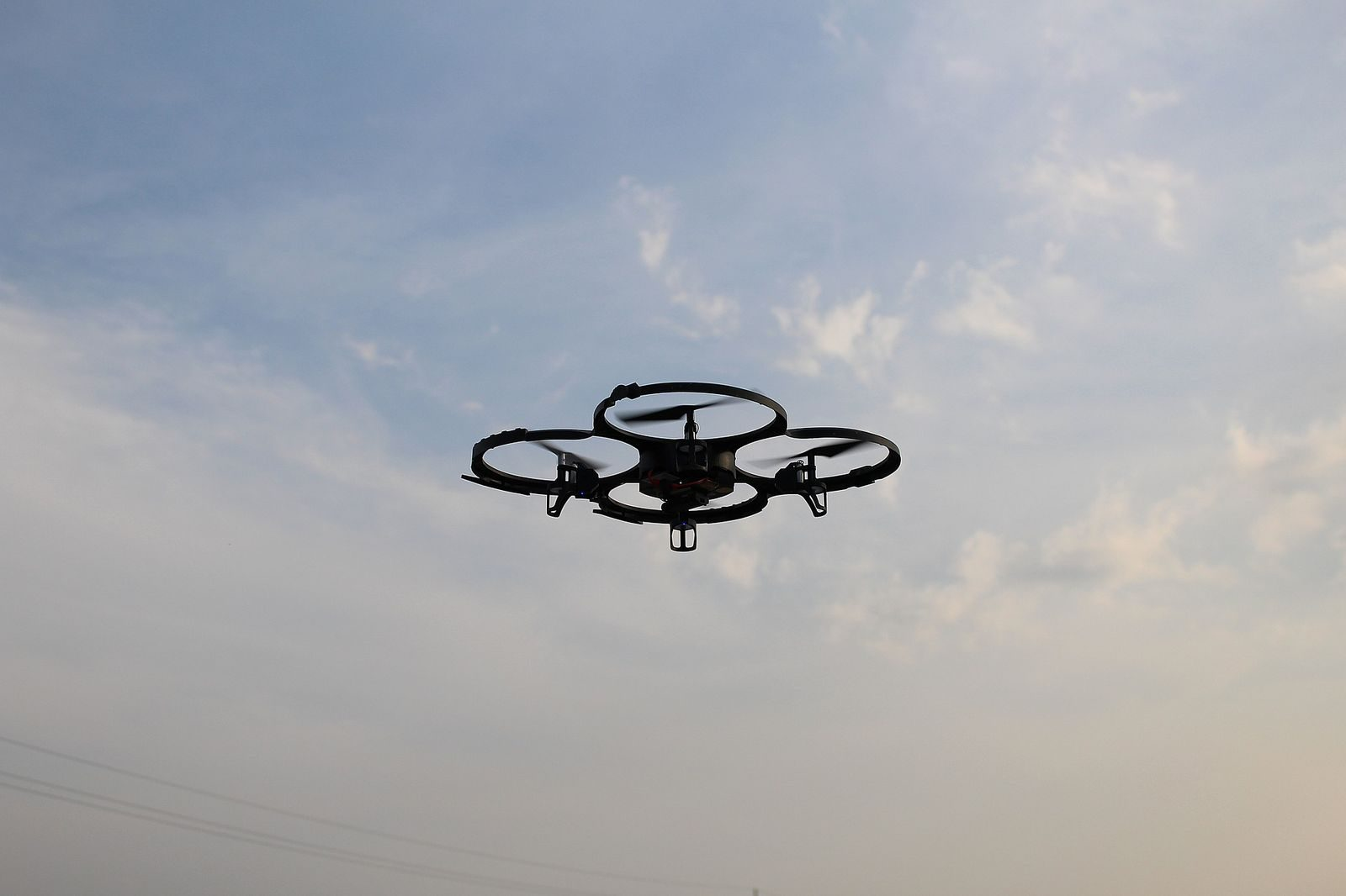 Photo de Metz : un drone vole au dessus de la place Coislin