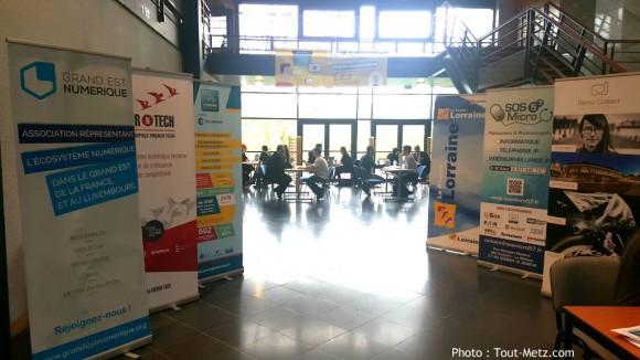 Les participants au concours de création d'entreprise enchaînent les rendez-vous avec coachs et experts.