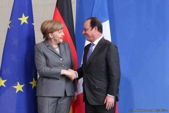 Angela Merkel et François Hollande au 17ème conseil des ministres franco-allemands de Berlin le 31/03/2015. Source : elysee.fr