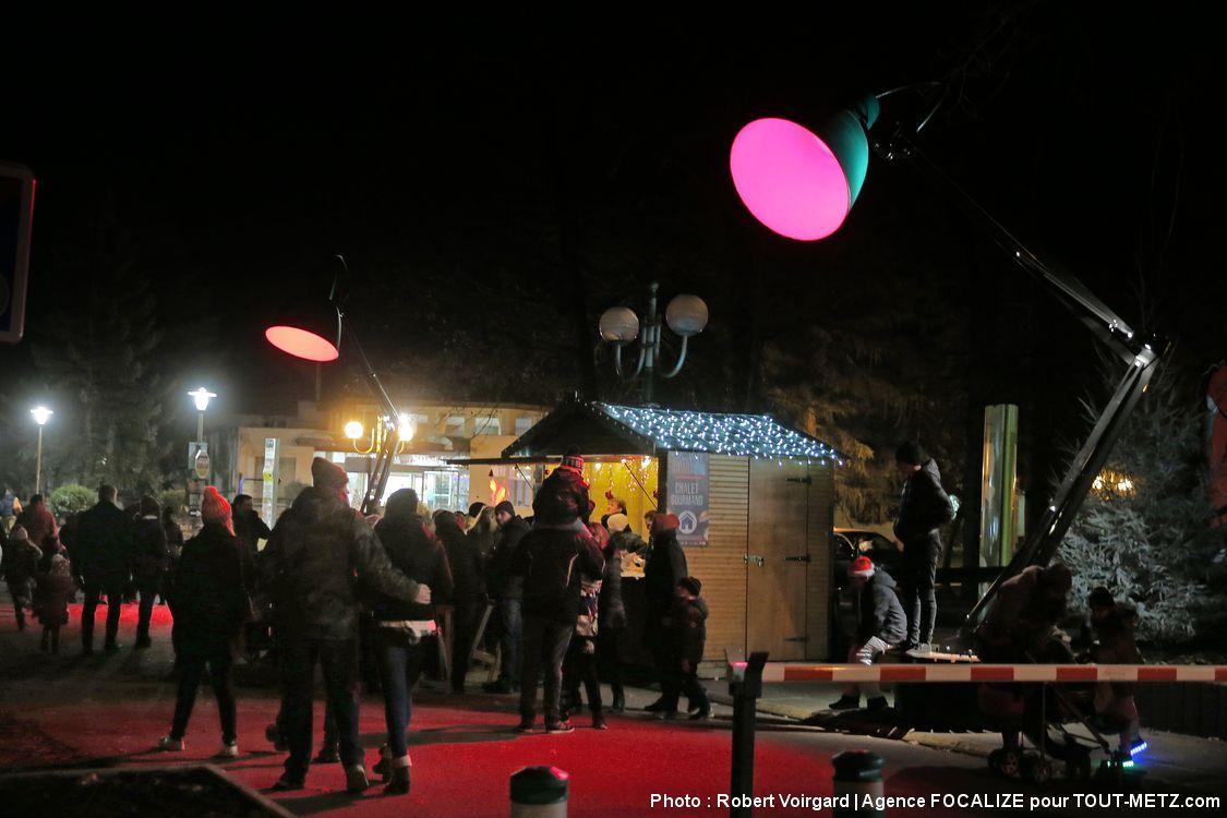 Les chalets gourmands et celui du père Noël sont ouvert lors des 10 dates d'animations (3, 4, 10, 11, 17, 18, 21, 23, 28 et 30 décembre).
