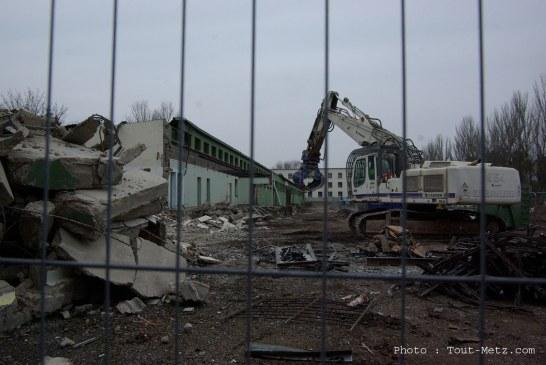BA 128 de Frescaty : la démolition des bâtiments militaires a commencé (vidéo et photos)