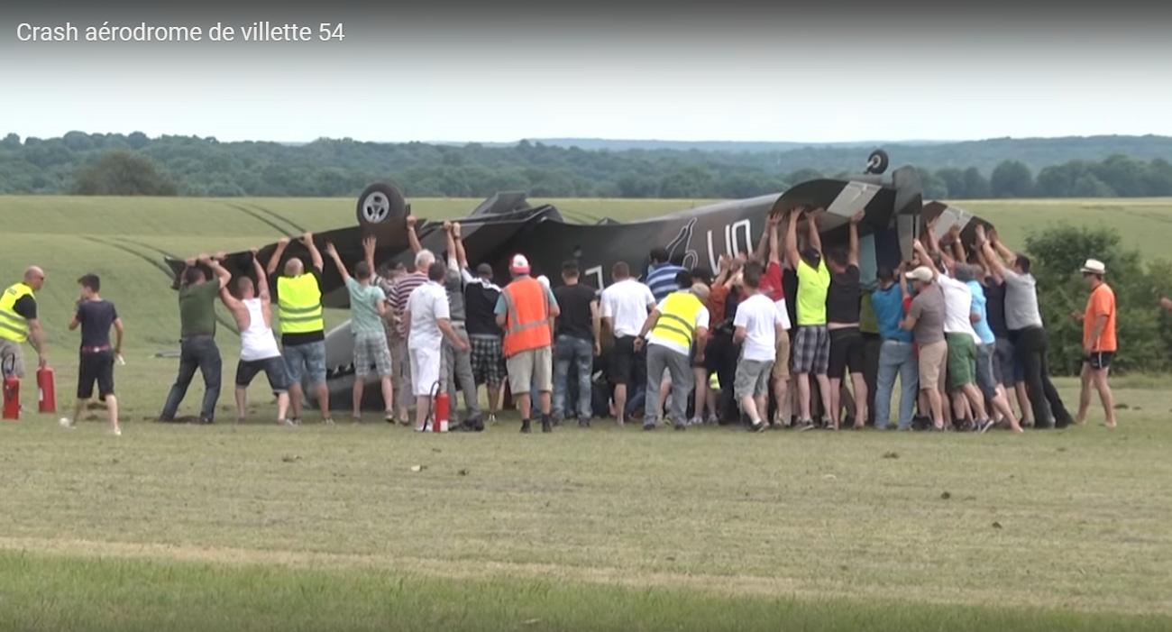 Vidéo : un avion pique du nez et s'écrase à Longuyon-Villette