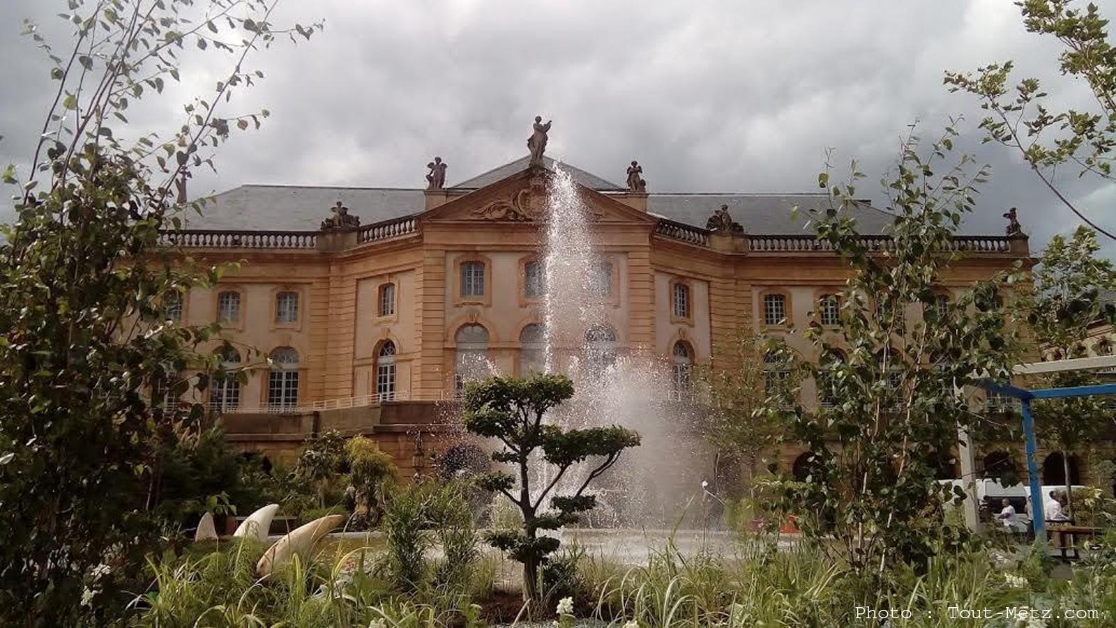 Jardin d'été place de la Comédie à Metz : un coin de nature en plein centre-ville (photos)