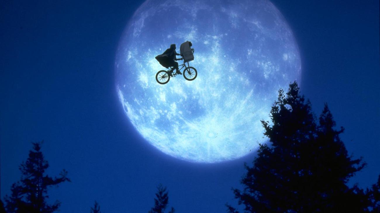 "Photo de Cinéma : ""E.T. l'extra terrestre"" en plein air à Metz"