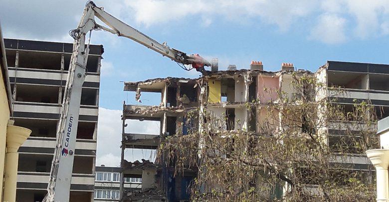 Photo of Vidéos : la démolition de la Cour du Languedoc à Metz Borny a commencé