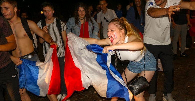 Photo of Photos : la fête à Metz après la victoire de la France en finale de la coupe du monde