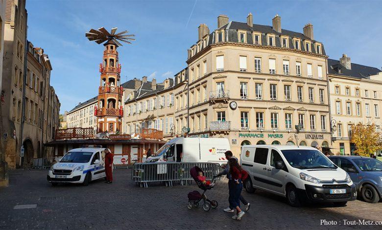 Photo of Metz : Pyramide de Noël et Carrousel sont en place