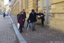 Photo of Le Maire de Metz malvoyant le temps d'1h pour tester sa ville (vidéo)