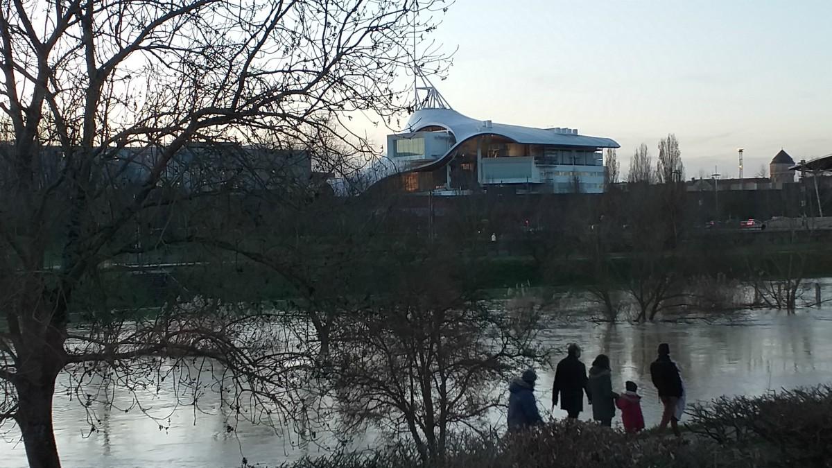 Parc de la Seille, aux abords du Centre Pompidou de Metz