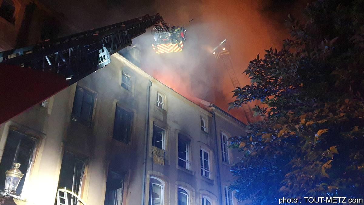 Photo of Un incendie à deux pas de l'église Ste Ségolène à Metz (photos + vidéo)