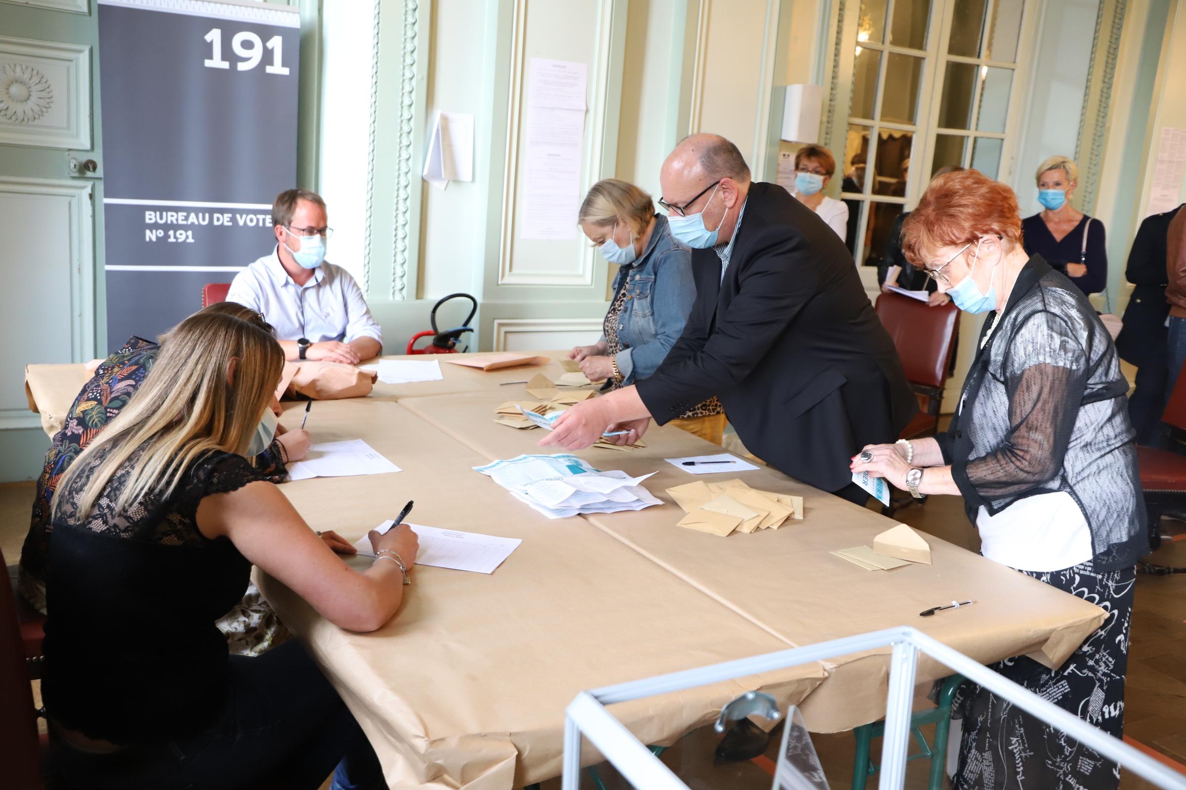 Photo de Le film de la soirée électorale à Metz – Municipales 2020 (photos + vidéos)
