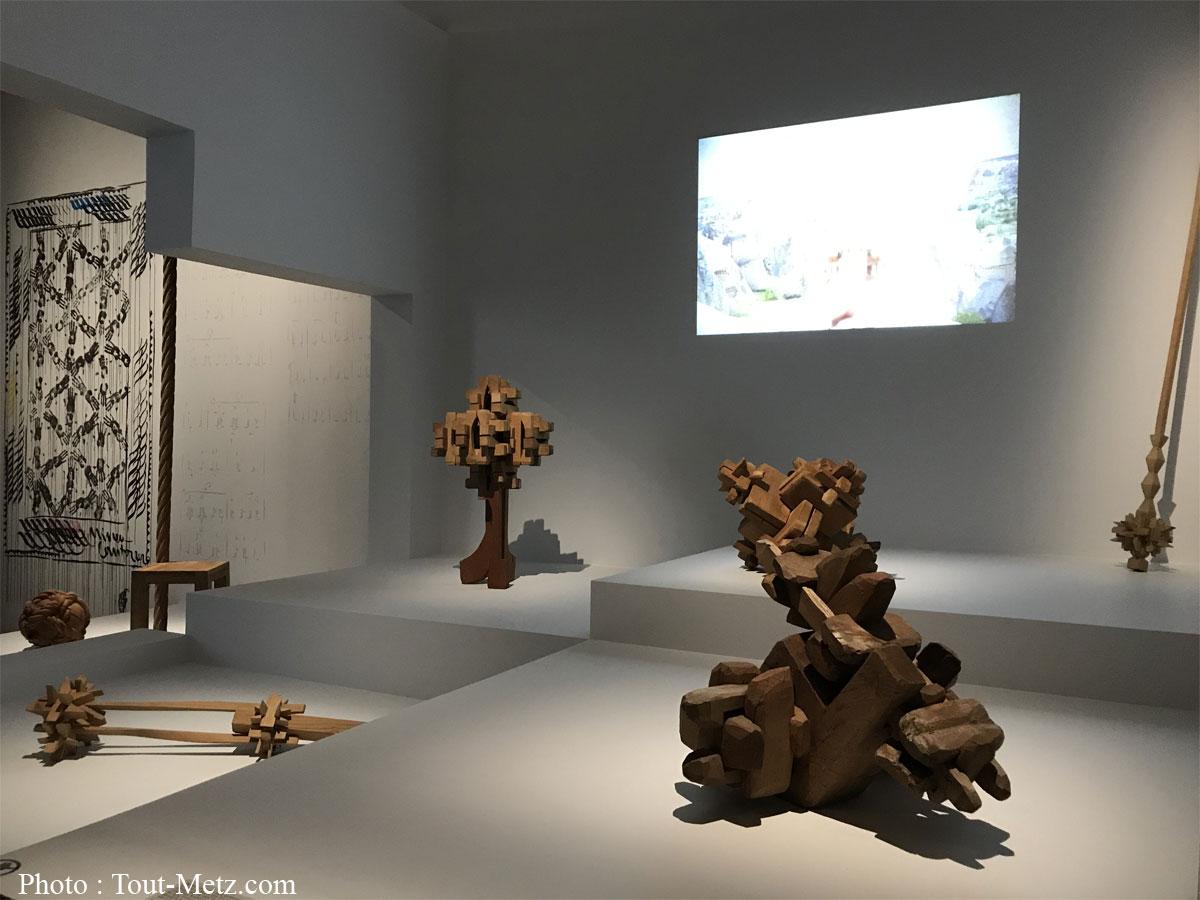 Photo : Sculpture de Mihai Olos, Untiteld (sans titre), 1988