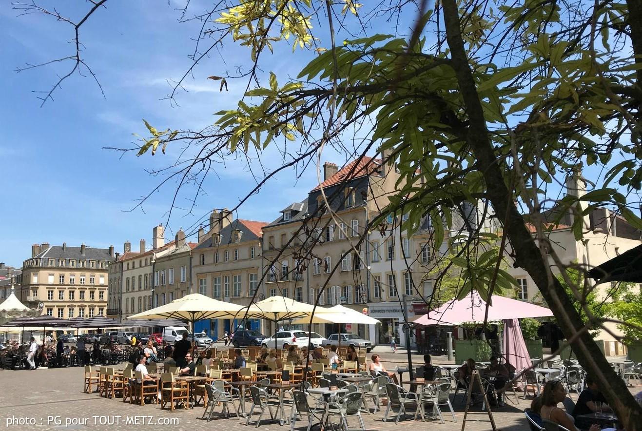 Photo of Premier jour de réouverture des bars et restaurants à Metz : ambiance d'une journée peu banale