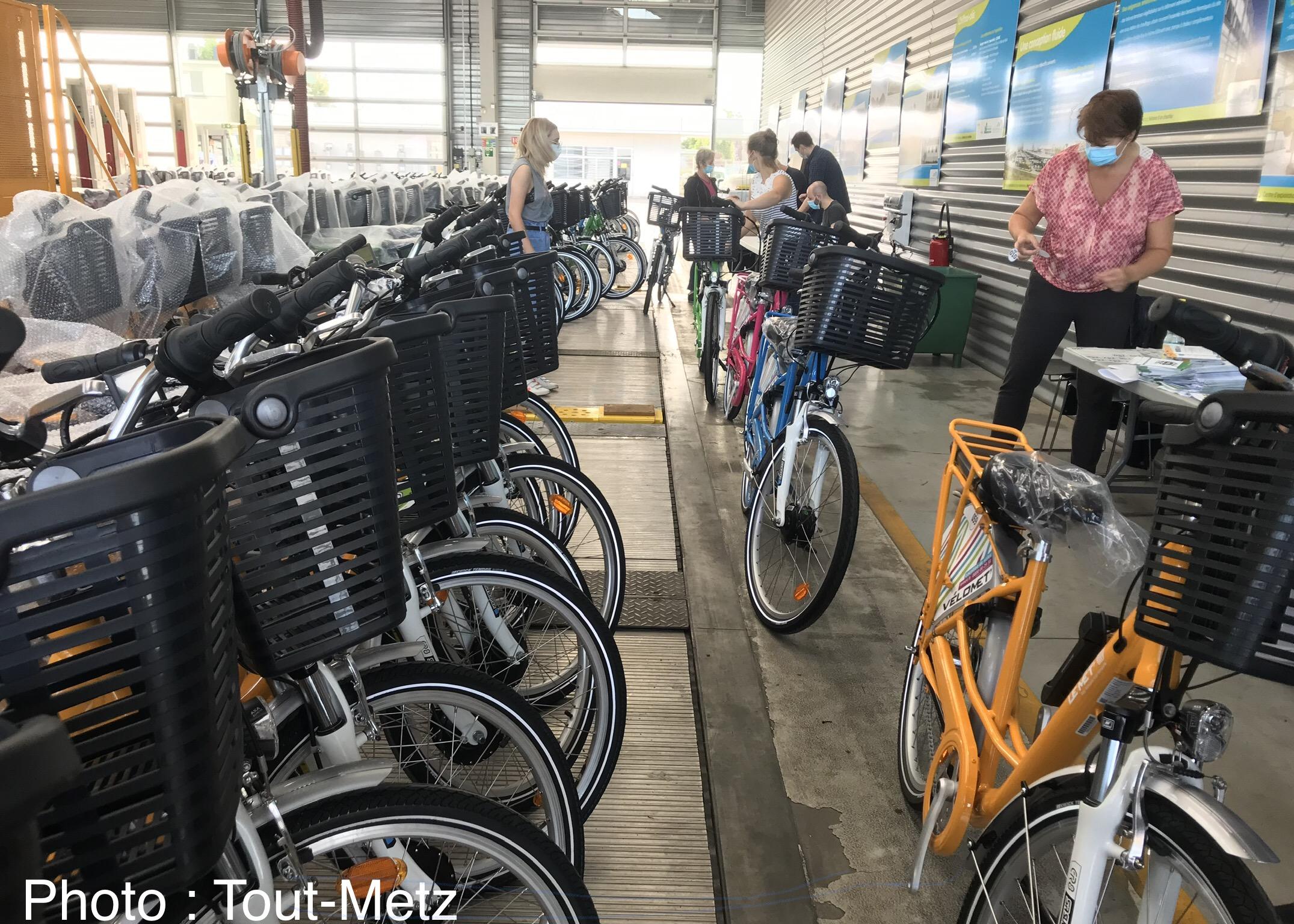 Photo de Metz : les 200 vélos électriques à l'atelier pour révision et immatriculation