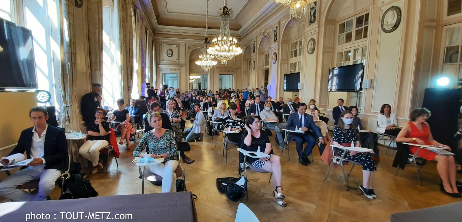 Photo of Metz : le conseil municipal et le maire installés pour un mandat de 6 ans (vidéo)