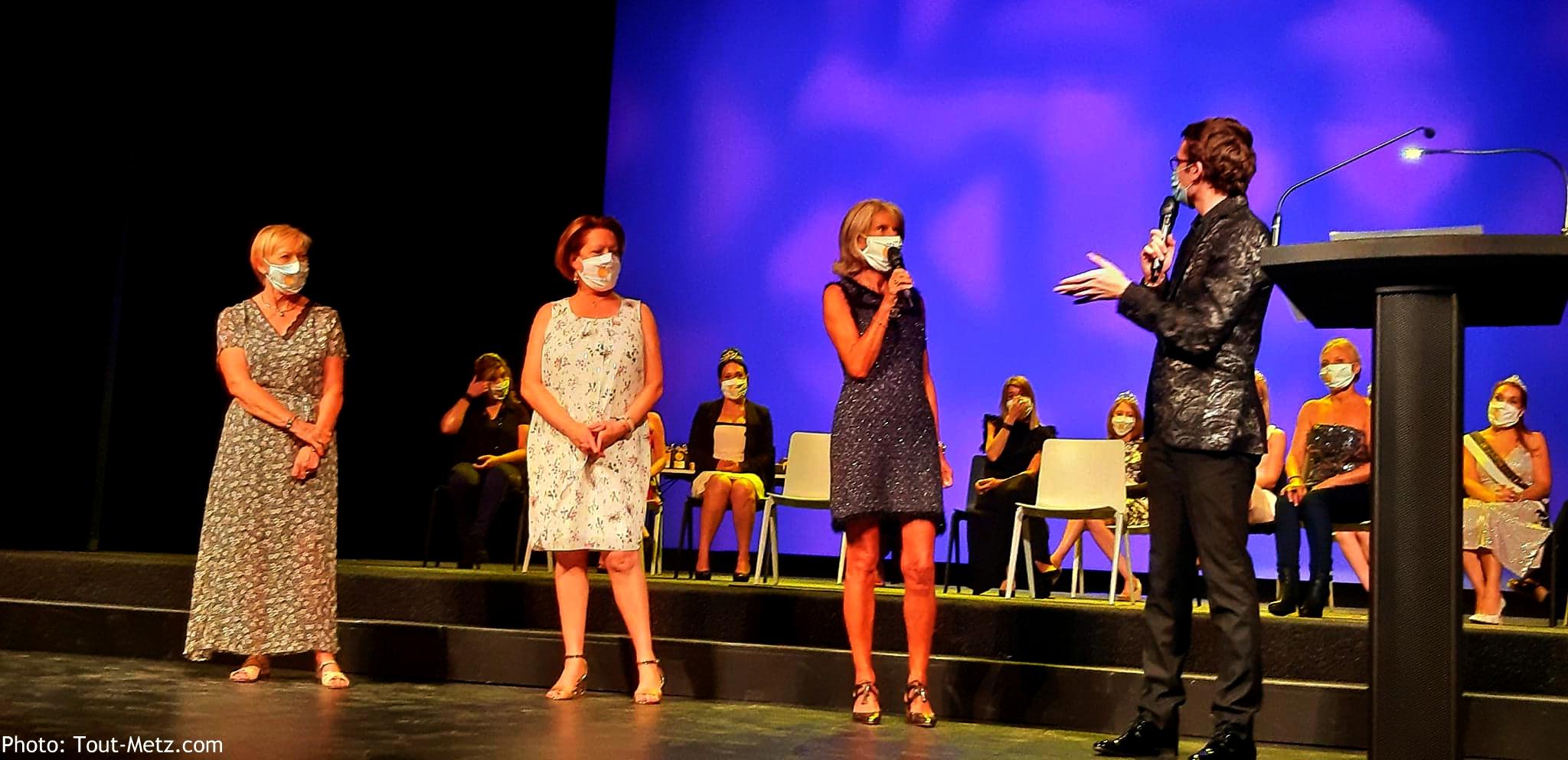 Photo de Metz : 15 anciennes Reines de la mirabelle réunies à l'Opéra-Théâtre